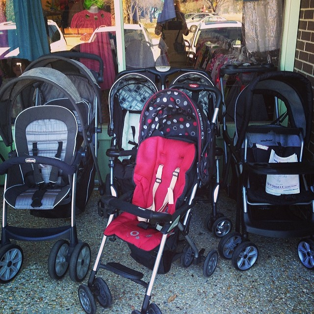 25%Off ALL Clothing Through Saturday! Great Strollers In Stock!#combi #chicco #stroller #babyequipment #cheapkidsclothes #smocked #boutique #225 #batonrougeresale #batonrouge #batonrougeboutique