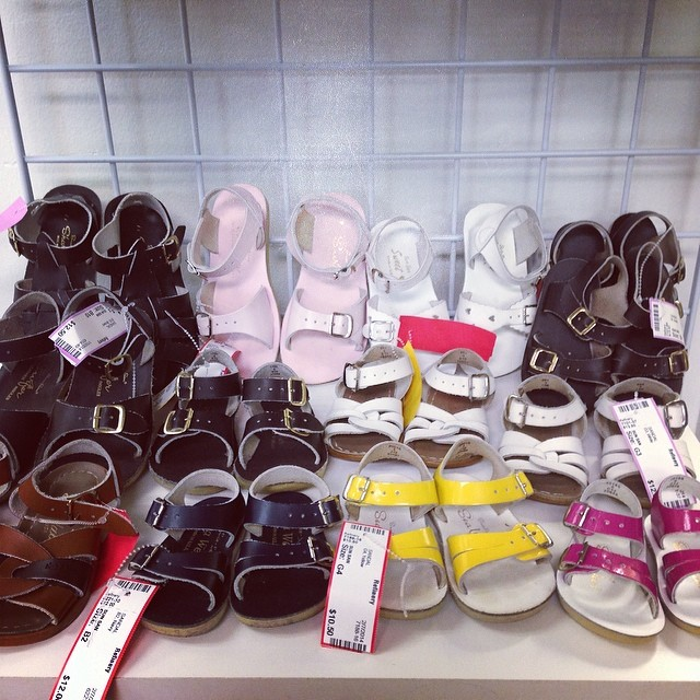 We LOVE Sun San Saltwater Sandals!#sunsan#saltwatersandals#kidssandals#batonrougeboutique #batonrouge #batonrougeresale #sellkidsstuff #cashforclothes #sellbabystuff