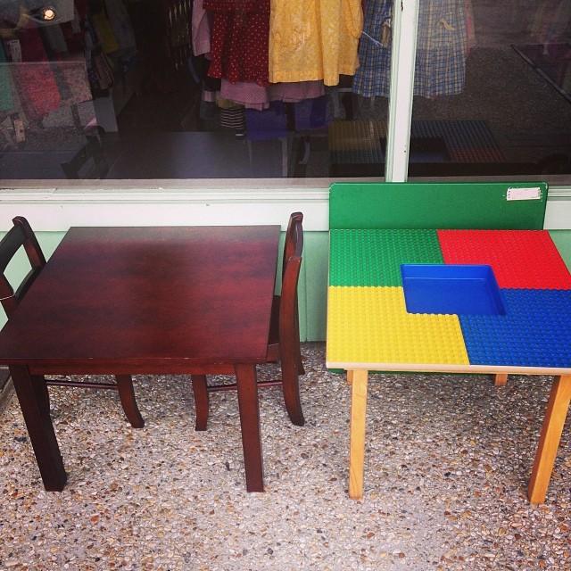 #potterybarn#lego#legotable#smocked #batonrougeresale #batonrougeboutique #225