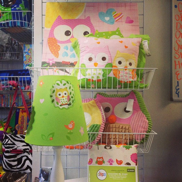 Check out this adorable Owl Love n Nature decor! We have the lamp, canvas print, twin sheet set (new in package), 3 decorative pillows, & artwork clips available!#refinerykids #batonrouge #consignment #circo love n nature