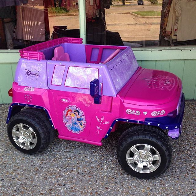 Does your Princess need a new ride? Check out this 2 Seater Power Wheels!#disneyprincess #225 #powerwheels #refinerykids #batonrouge