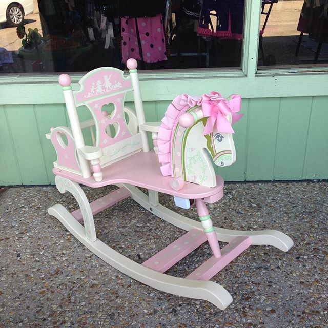 What little girl wouldn't love this rocking horse? It plays music, too!#batonrouge #refinerykids #225