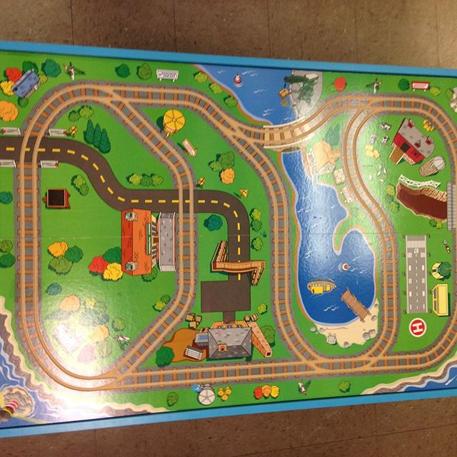 Just in: great Thomas the Tank Engine train table!#batonrouge #refinerykids #225 #thomasthetankengine #thomasthetrain