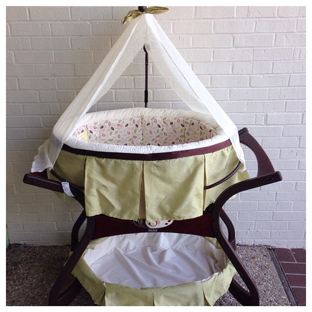 We love this beautiful Fisher Price Zen bassinet!#225 #batonrouge #refinerykids #fisherprice