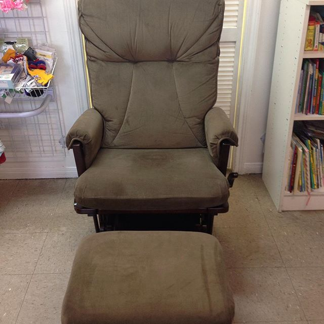 Just in: beautiful Shermag glider rocker & ottoman! Retails for $299.99, our price is only $149.99!#refinerykids #batonrouge #225 #gobr #shermag